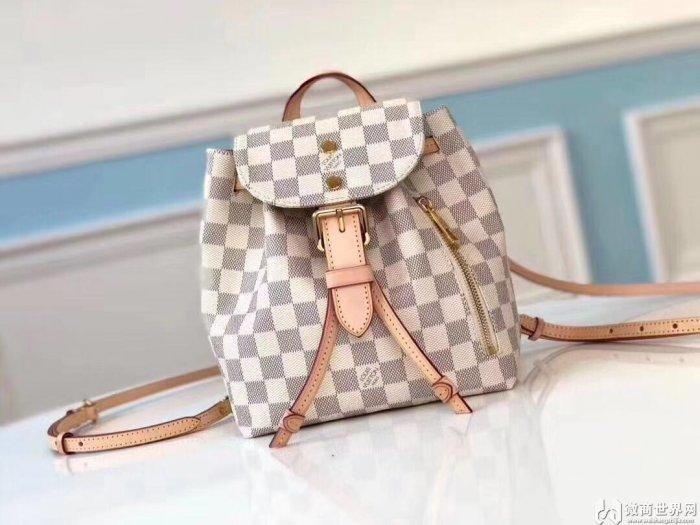 一比一芬迪包包,哪种款式最热门